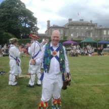 Fiddler Shows off his Alternative Footwear at Thorpe Hall