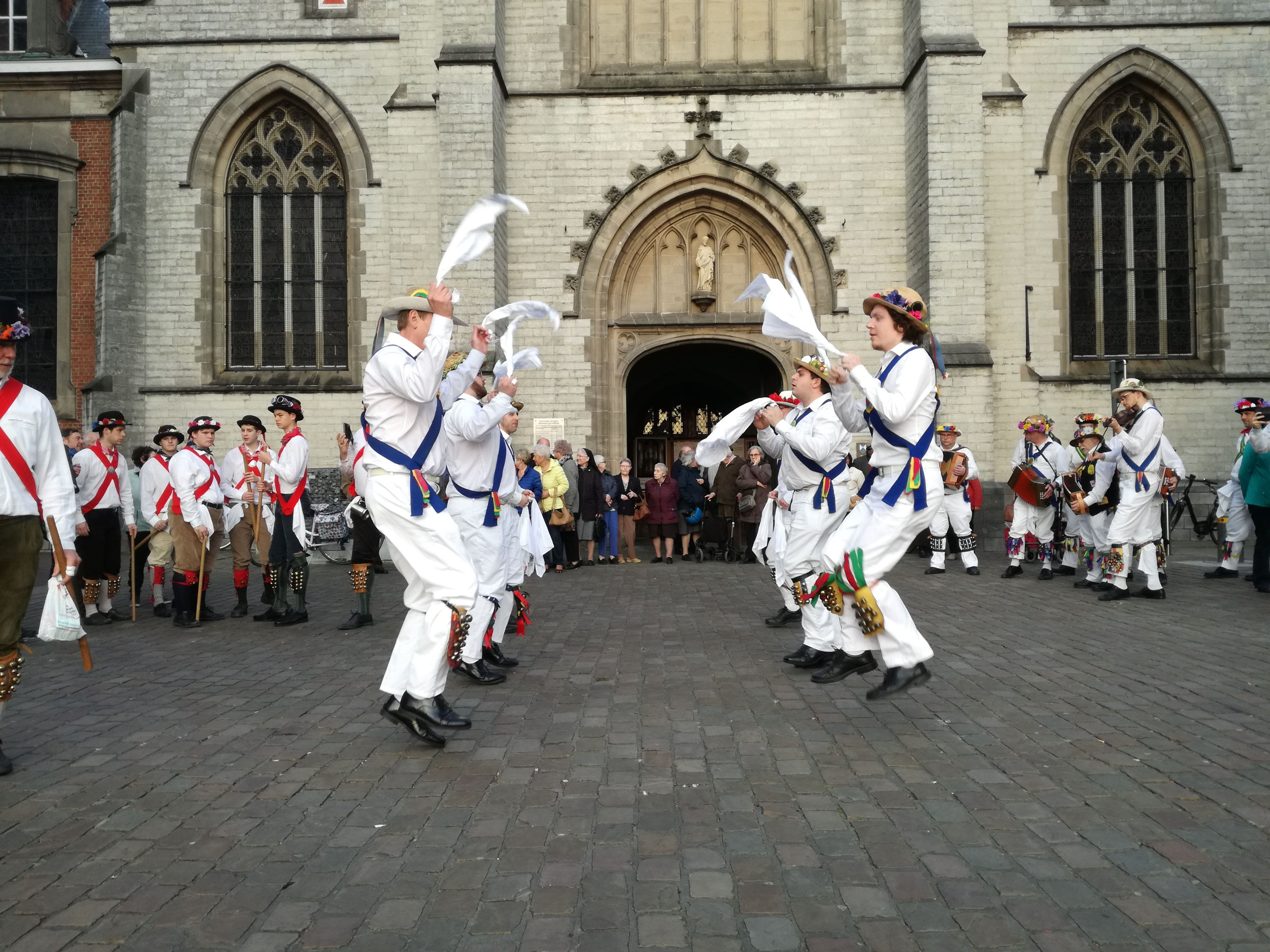 Everyone is off the ground... Sint Niklaas