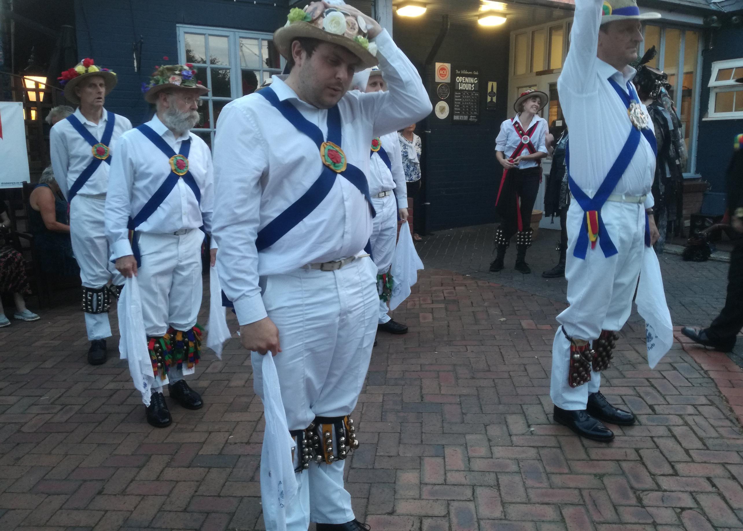 Dancing with Aelfgythe Border Morris - Wildmoor Oak, Bromsgrove